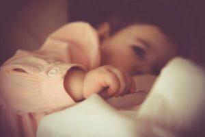 Neonato allattato al seno